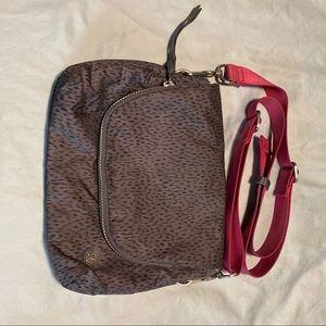 Lululemon bag messenger purse leopard